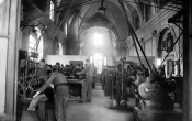anni-30-laboratorio-meccanico-prima-sede-ex-chiesa-sant-antonio-2